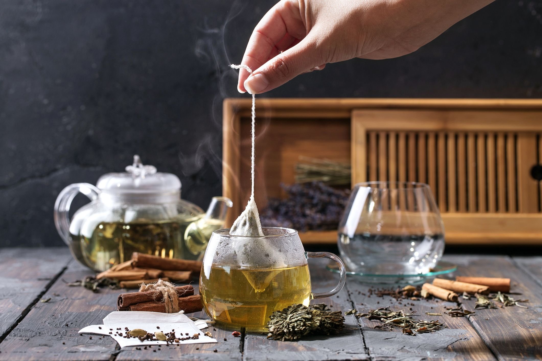 10 green tea myths and facts - is green tea healthy?