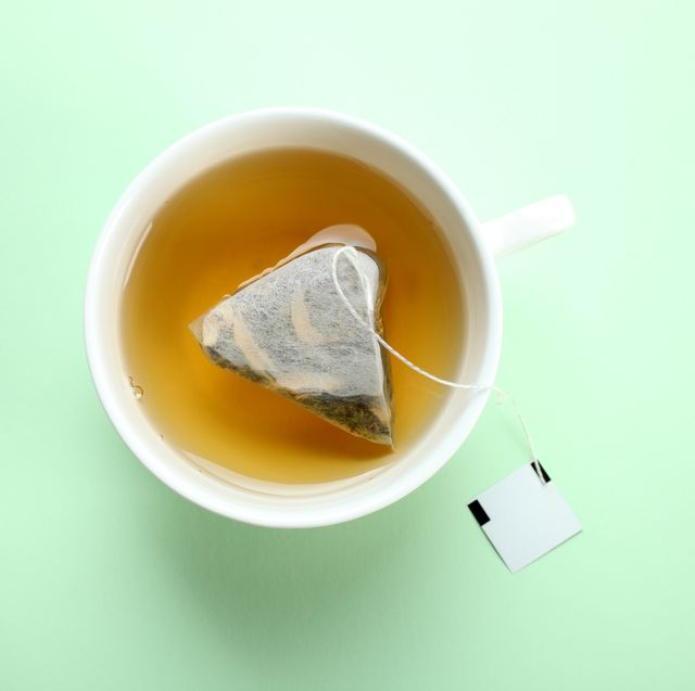 The 8 Best Teas for Runners Who Don't Drink Coffee (Or Just Want to Mix It Up)