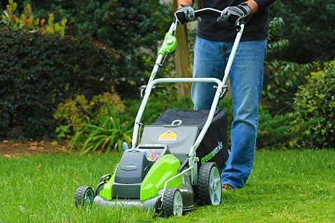 Lawn, Edger, Walk-behind mower, Lawn mower, Mower, Grass, Vehicle, Lawn aerator, Outdoor power equipment, Grassland,
