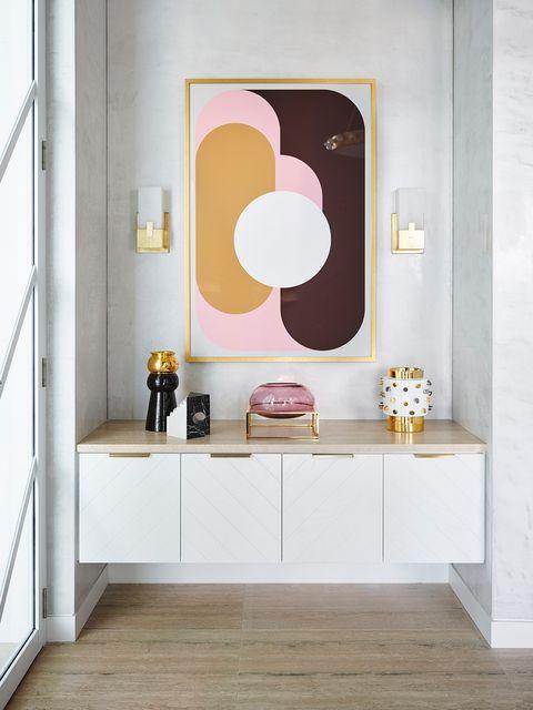 una casa sofisticada y elegante en tonos rosas en australia, diseñada por greg natale