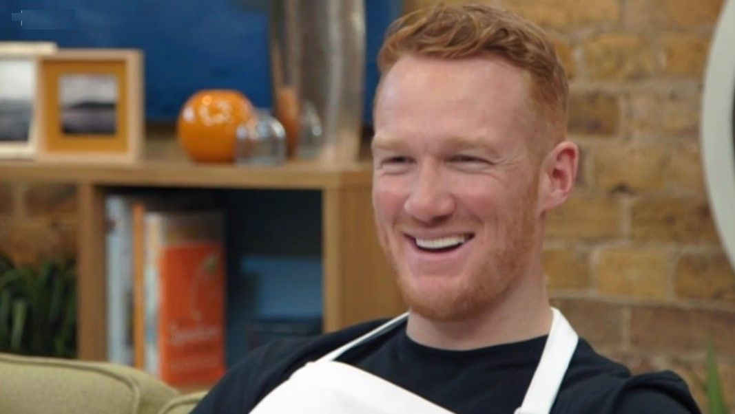 Strictly's Greg Rutherford has Celebrity MasterChef fans in stitches as he 'pies' Dillian Whyte
