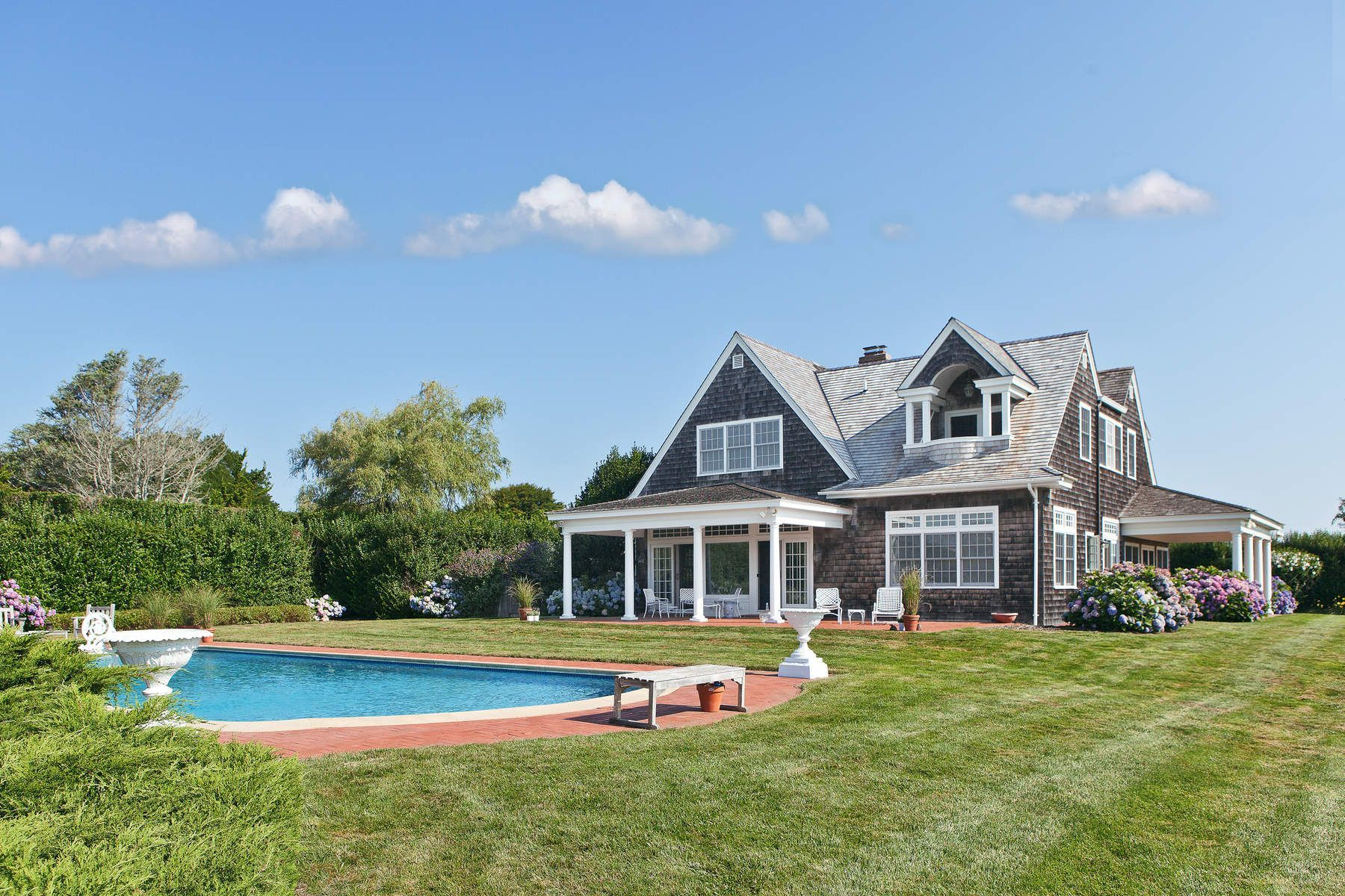 The Grey Gardens Carriage House In East Hampton Is For Sale