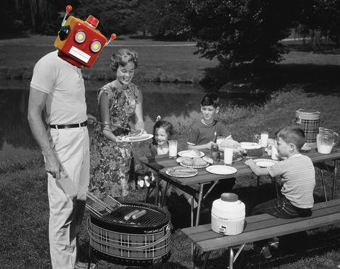 1950s FAMILY PICNIC BAR-B-C...