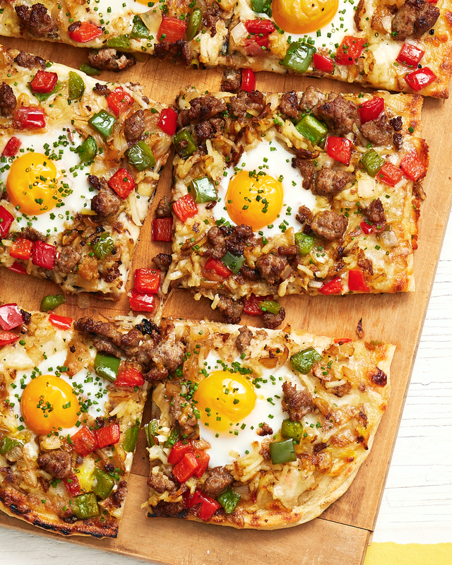 grilled breakfast pizza