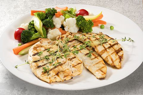 grilled chicken breast with steamed vegetables