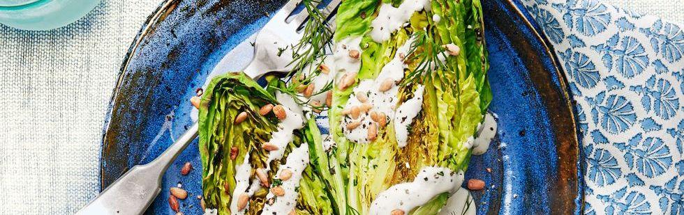 Жареный салат ромэн со сливочной заправкой фета