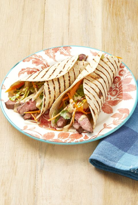 grilled steak wraps with peanut sauce
