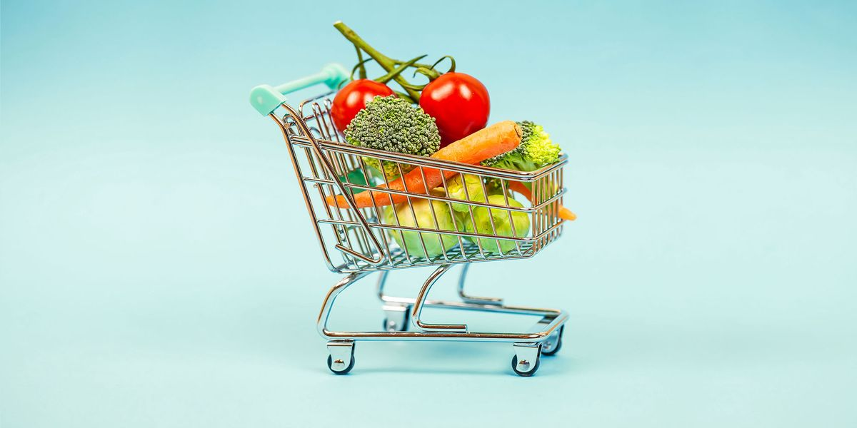 How to Grocery Shop Safely During the Coronavirus Outbreak