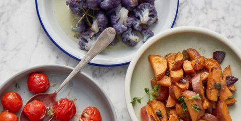 bbq groenten: bloemkool, tomaat en zoete-aardappel