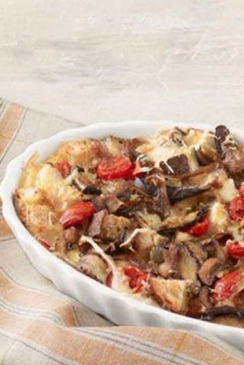 groundturkeyrecipes-breakfastcasserolewithturkeysausagemushroomsandtomatoes