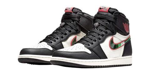 Shoe, Footwear, Outdoor shoe, White, Sneakers, Black, Walking shoe, Product, Basketball shoe, Running shoe,