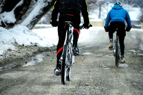 Prevent Freezing Feet on Every Winter Ride