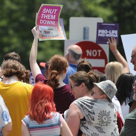 anti abortion groups rally outside last planned parenthood clinic in missouri