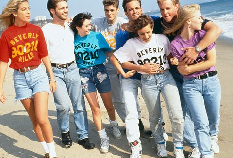 LOS ANGELES : GROUP PHOTO OF THE 'BEVERLY HILLS 90210' TEAM