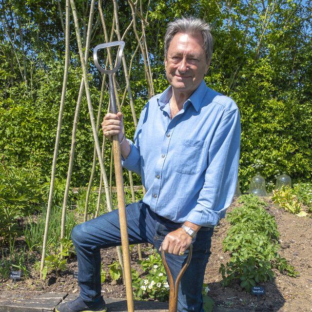 alan titchmarsh launches itv gardening show