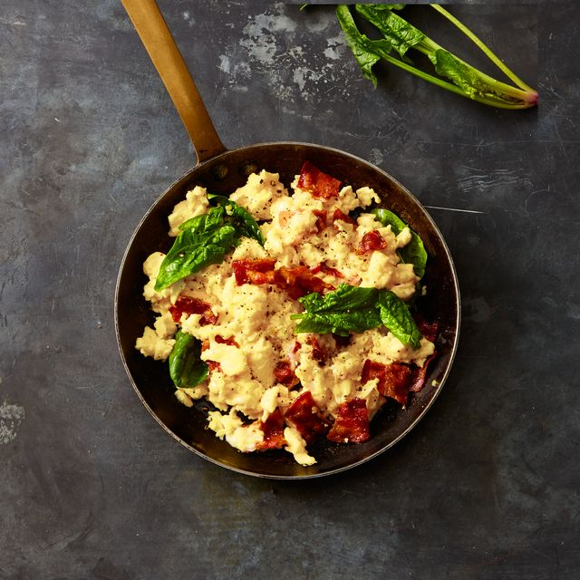 gruyere, bacon, and spinach scrambled eggs