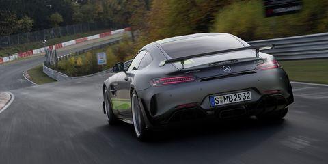 Land vehicle, Vehicle, Car, Sports car, Automotive design, Performance car, Supercar, Race track, Luxury vehicle, Aston martin v8 vantage (2005),