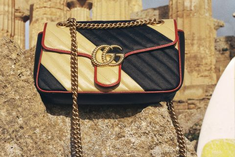 Gucci GG Marmont:時髦雙色拼接包