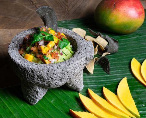 guacamole costeño con mango