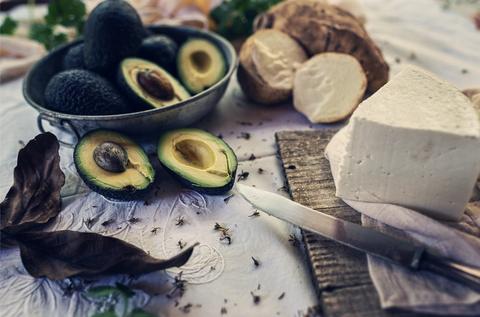 el queso, el vino y las papas que puedes degustar en los guachinches de tenerife