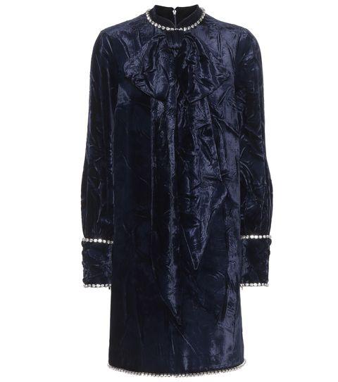 Clothing, Black, Sleeve, Outerwear, Dress, Velvet, Coat, Neck, Cocktail dress, Collar,