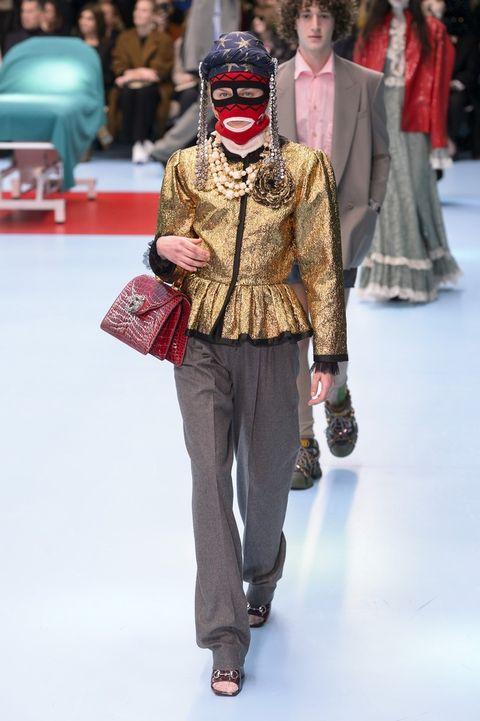 vestiti-oro-tendenza-moda-2019