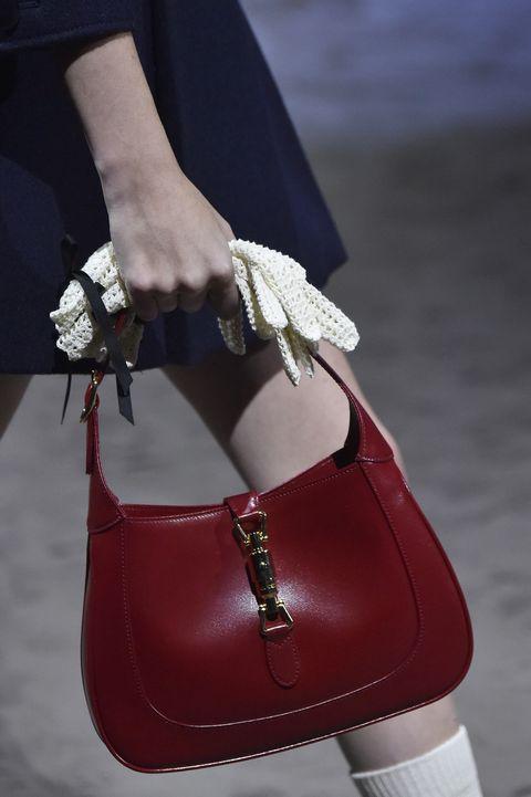 Gucci Jacky tas uit de Herfst/Winter 2020 collectie gespot tijdens Milan Fashion Week.