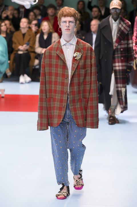 3c57cb3d8 90 Looks From Gucci Fall 2018 MFW Show – Gucci Runway at London ...