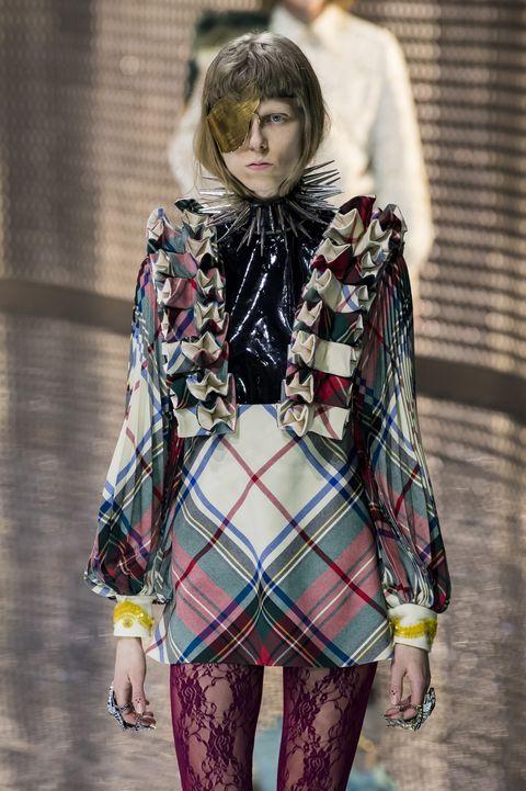 Plaid, Fashion, Clothing, Tartan, Pattern, Street fashion, Fashion show, Design, Textile, Fashion model,