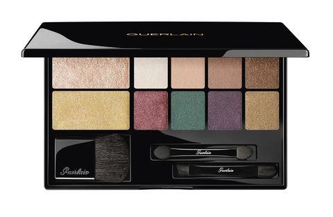 Eye shadow, Eye, Violet, Cosmetics, Beauty, Organ, Brown, Human body, Material property, Powder,