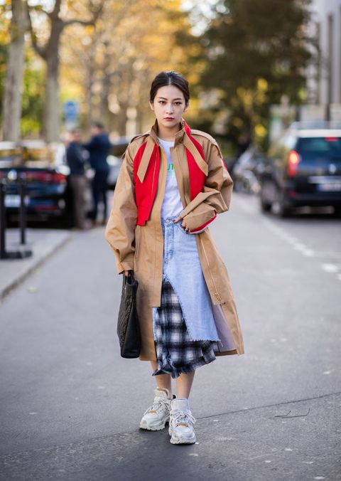 Street Style : Paris Fashion Week Womenswear Spring/Summer 2019 : Day Eight