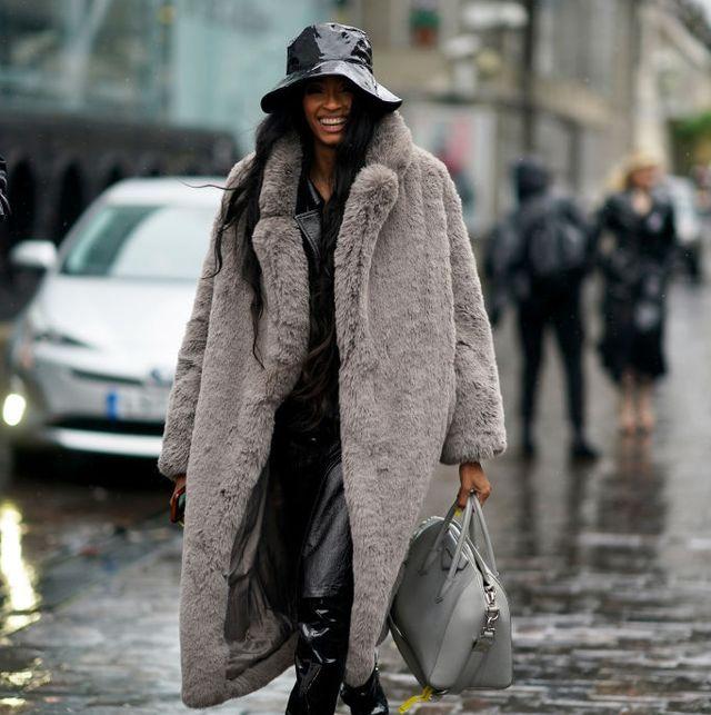 vrouw faux fur jas