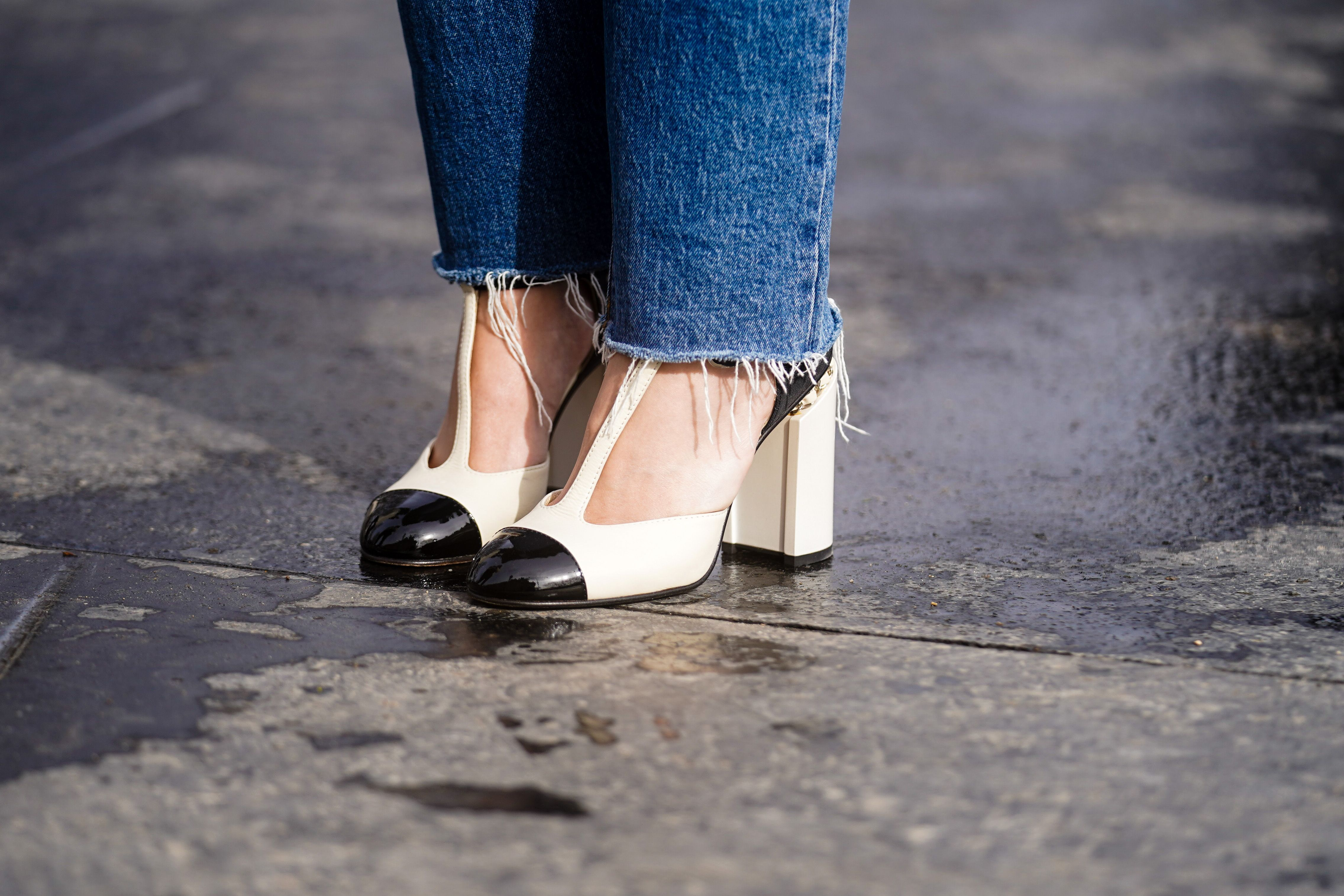 The Shoes to Wear With Every Kind of Jeans