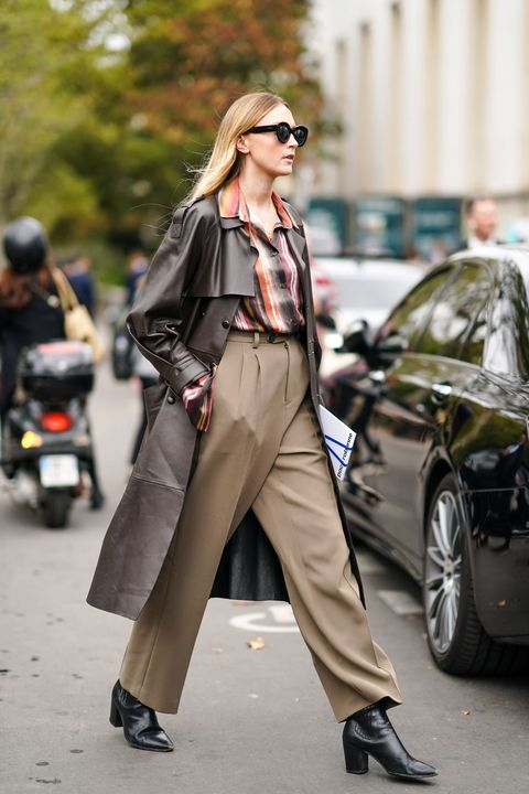 Street Style : Paris Fashion Week - Womenswear Spring Summer 2020 : Day Four
