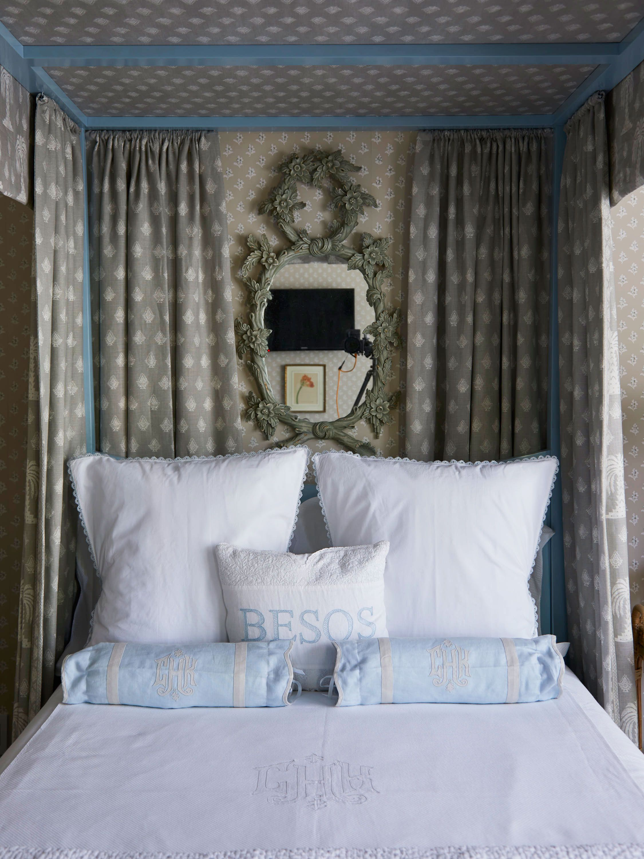 21 Dreamy Guest Bedroom Ideas And Essentials