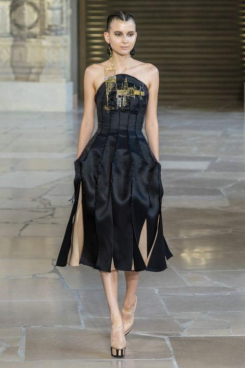 Guo Pei Haute Couture Fall Winter 2018/19