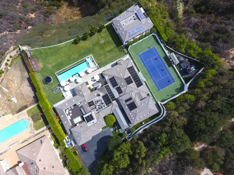 Gwen Stefani Beverly Hills Mansion For Sale Gwen Stefani