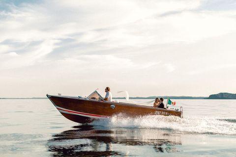 Water transportation, Boat, Vehicle, Boating, Speedboat, Transport, Sky, Sea, Water, Recreation,