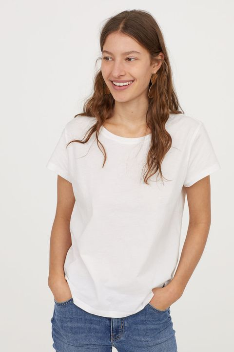 White, Clothing, Neck, Sleeve, T-shirt, Shoulder, Top, Arm, Joint, Blouse,