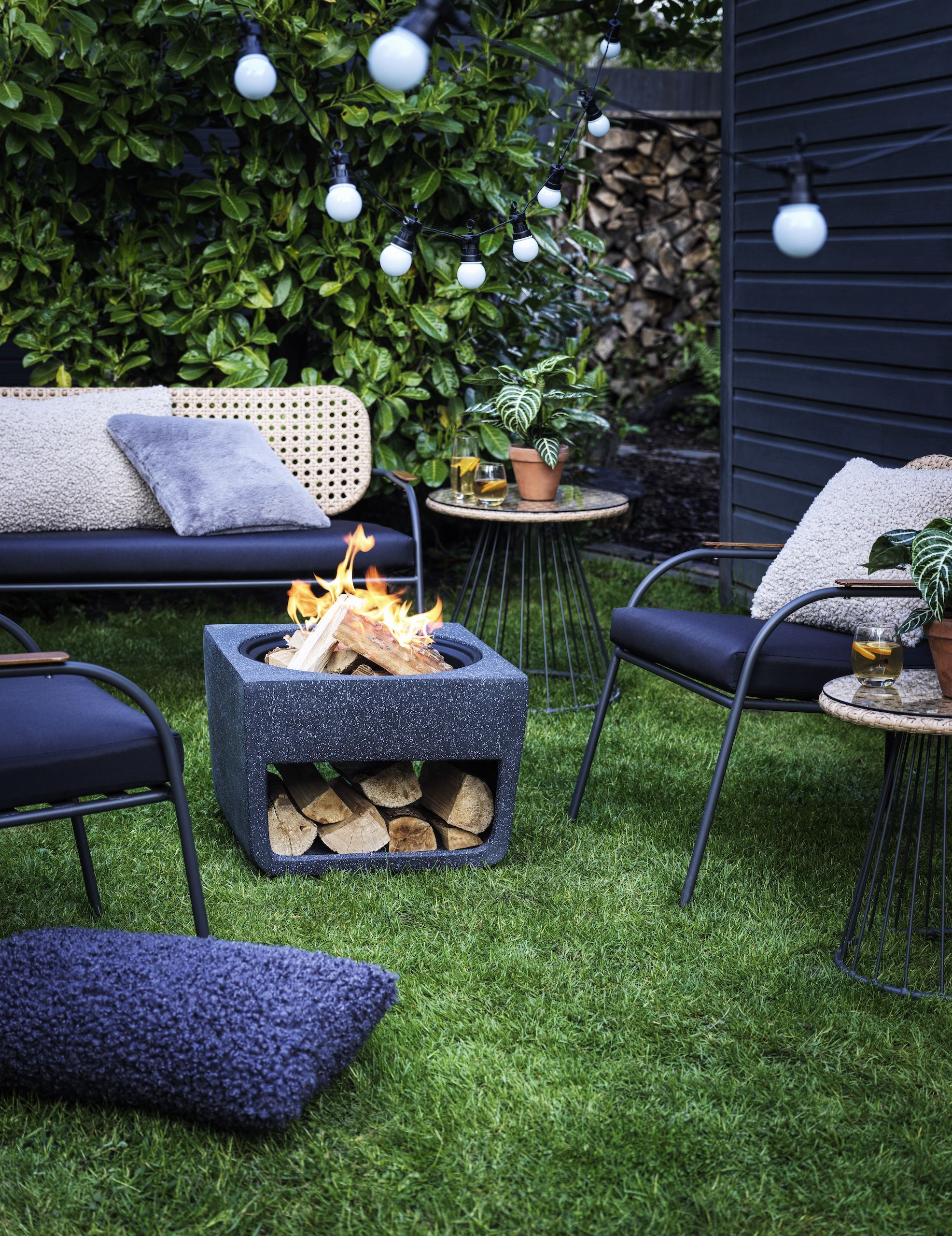 Top 10 most popular garden accessories for autumn and winter