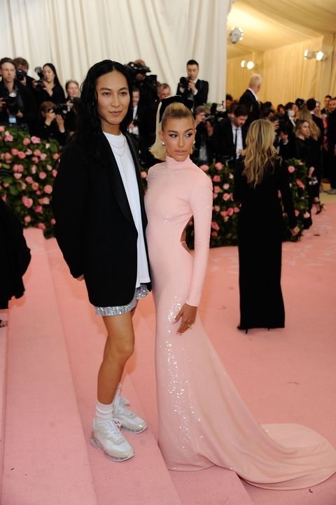4aa926a6dae5 Kendall Jenner and Hailey Baldwin Changed Into White Mini Dresses ...
