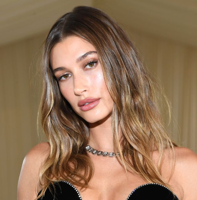 Hailey Bieber shares no makeup bikini pictures while on holiday and it's pure joy