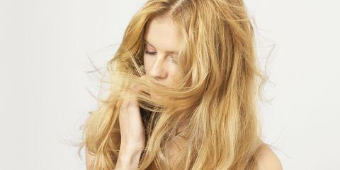Hair, Blond, Hairstyle, Face, Long hair, Hair coloring, Layered hair, Beauty, Surfer hair, Skin,
