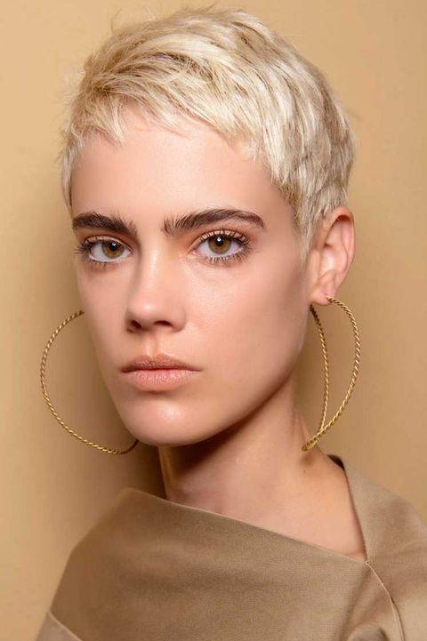 Hair, Face, Eyebrow, Hairstyle, Blond, Chin, Lip, Forehead, Beauty, Skin,