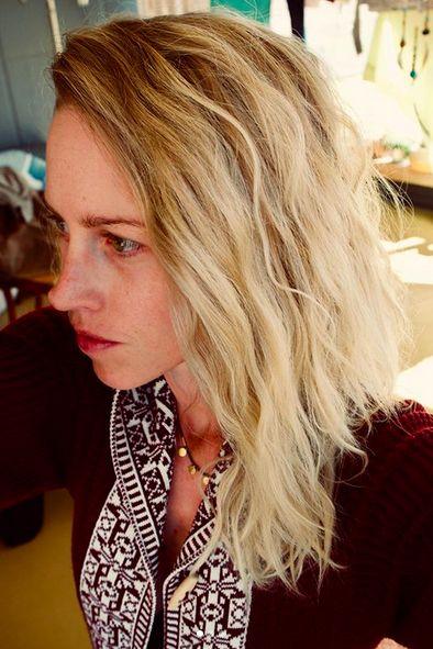 Hair, Blond, Hairstyle, Face, Hair coloring, Layered hair, Long hair, Surfer hair, Beauty, Chin,