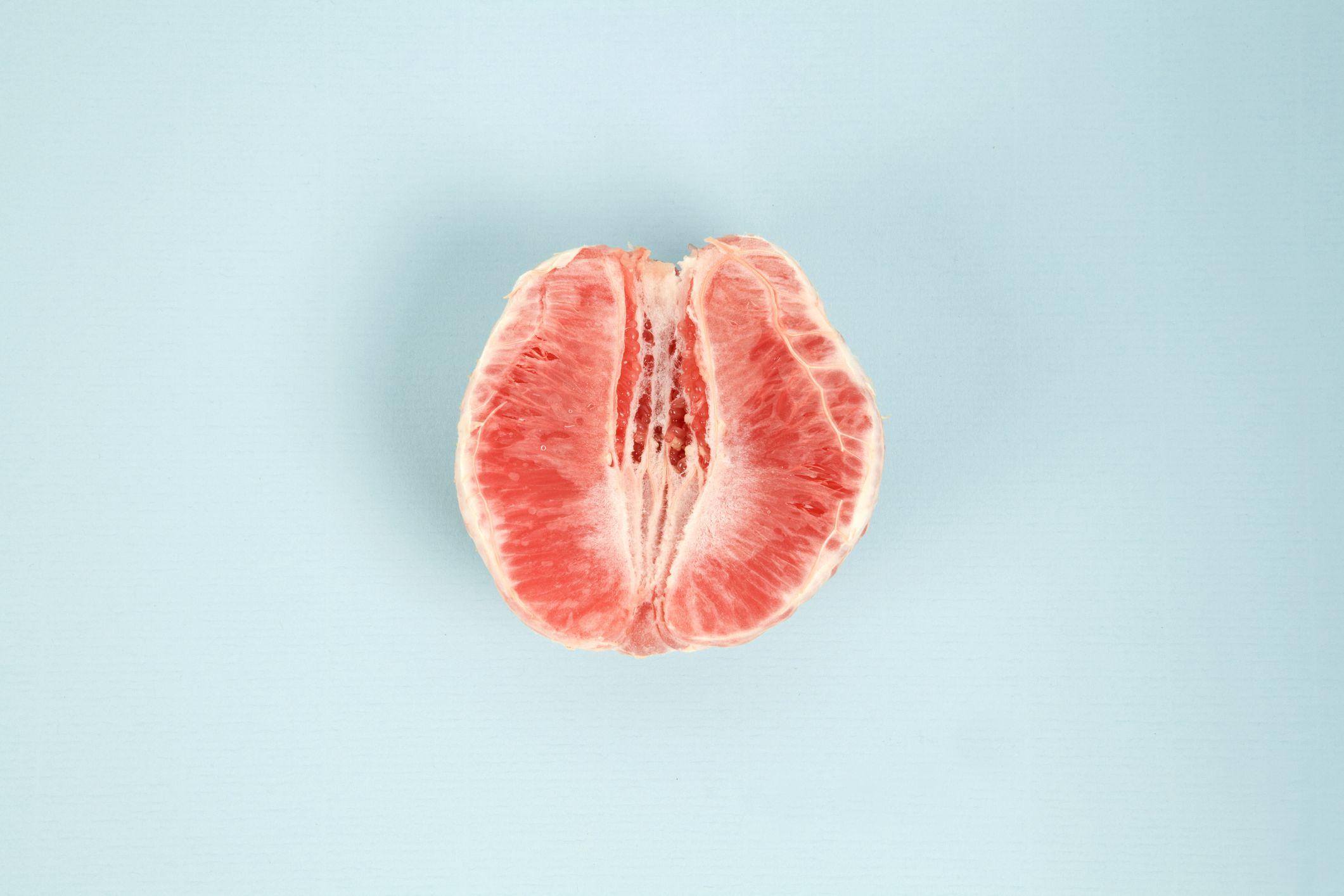 Porn hot backdoor bites vagina