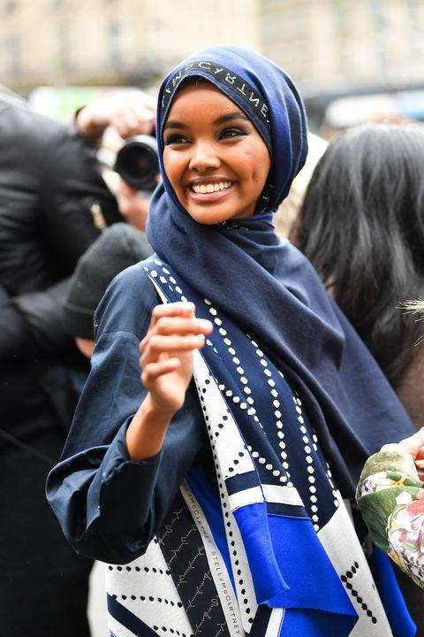 Chi è Halima Aden: la modella in burkini e hijab sulla cover di Sports Illustrated