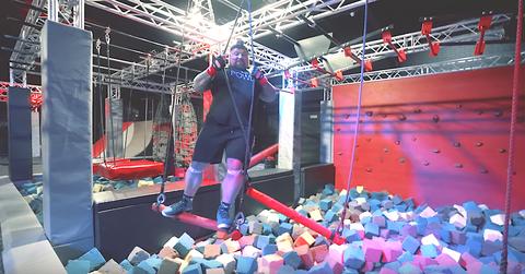 world's strongest man eddie hall tries a ninja warrior workout