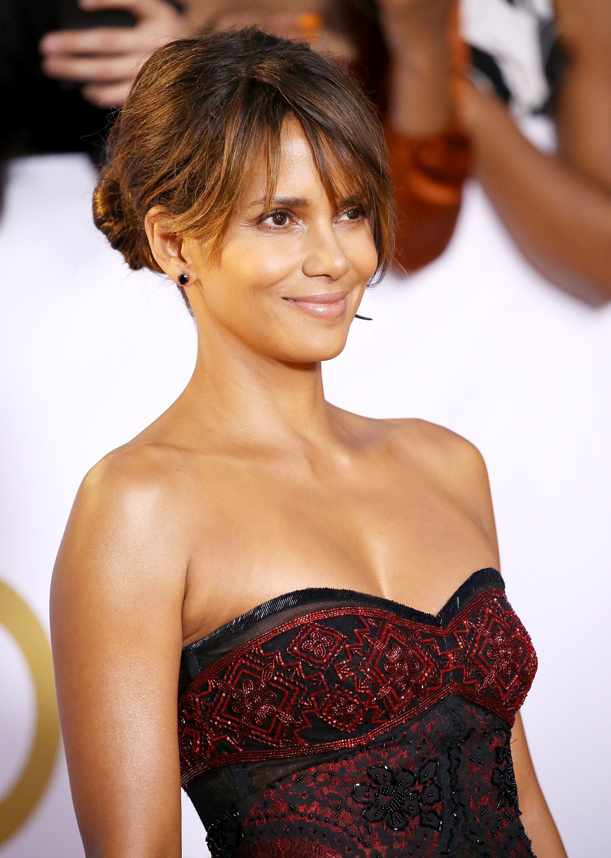 5 Skincare Tips Halle Berry, 53, Does To Look Like She's In Her 30s