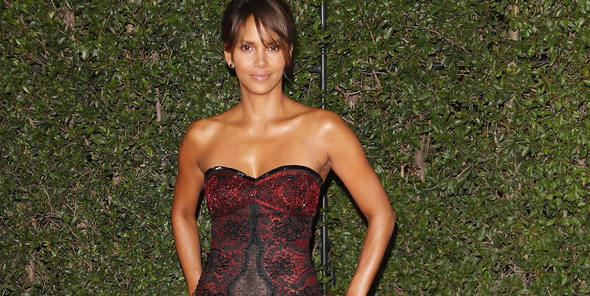 Halle Berry S Ab Workout 7 Ab Exercises She Swears By